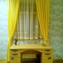 шторы в детскую комнату желтые